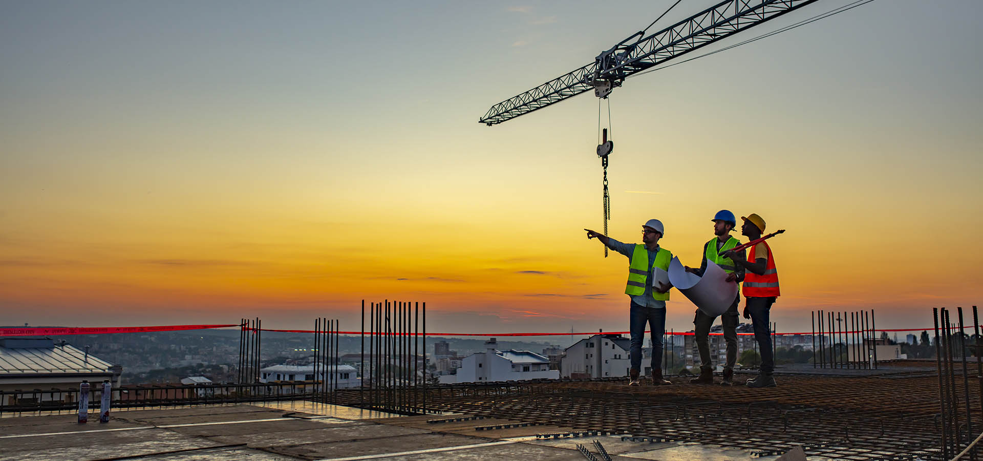 construction-workers-sunset